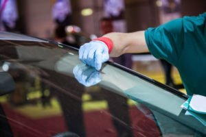 When to Repair or Replace a Cracked Windshield
